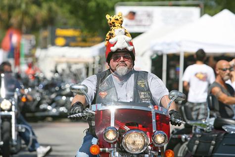 biker-w-teddy-bear-60760416.jpg?w=500