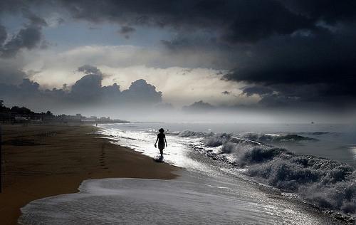 beachsilouette,beach,woman,ocean,sunset-408fecb7931a0586c23d80e0925a3259_h