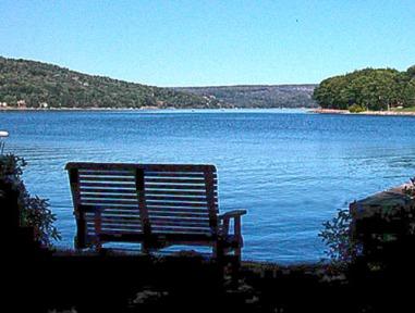 lake_bench