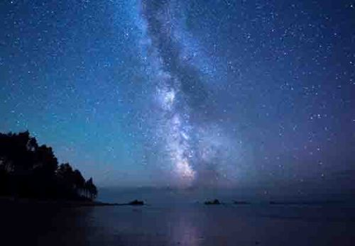 starry-night-by-shore